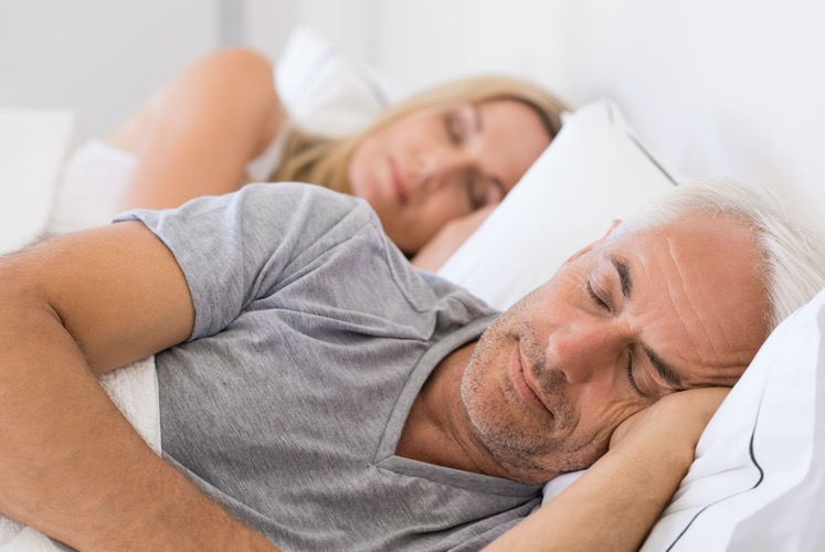 A man and woman sleeping well, Tips to sleep well, Thrive E magazine Issue 7